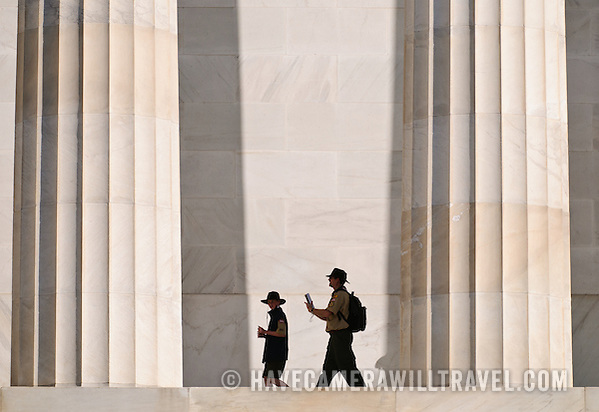 Lincoln Memorial Scouts visiting Lincoln Memorial j078144658