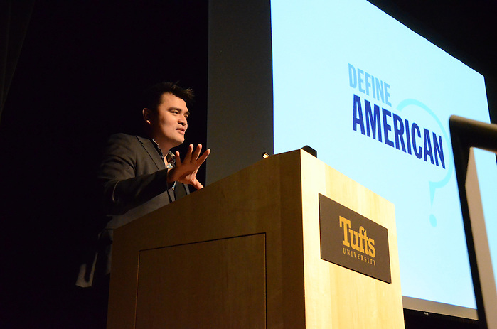 16/3/2 – Medford/Somerville, MA – Jose Antonio Vargas speaks about race, immigration, and identity in America, in Cohen Auditorium on March. 2, 2016. (Ziqing Xiong / The Tufts Daily) (Ziqing Xiong / The Tufts Daily)
