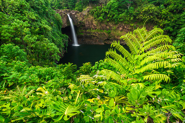 Rainbow Falls, Wailuku River State Park, Hilo, The Big Island, Hawaii USA (© Russ Bishop/www.russbishop.com)