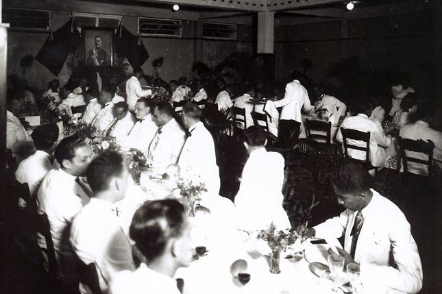 Una de las famosas fiestas de los Trujillo con sus serviles