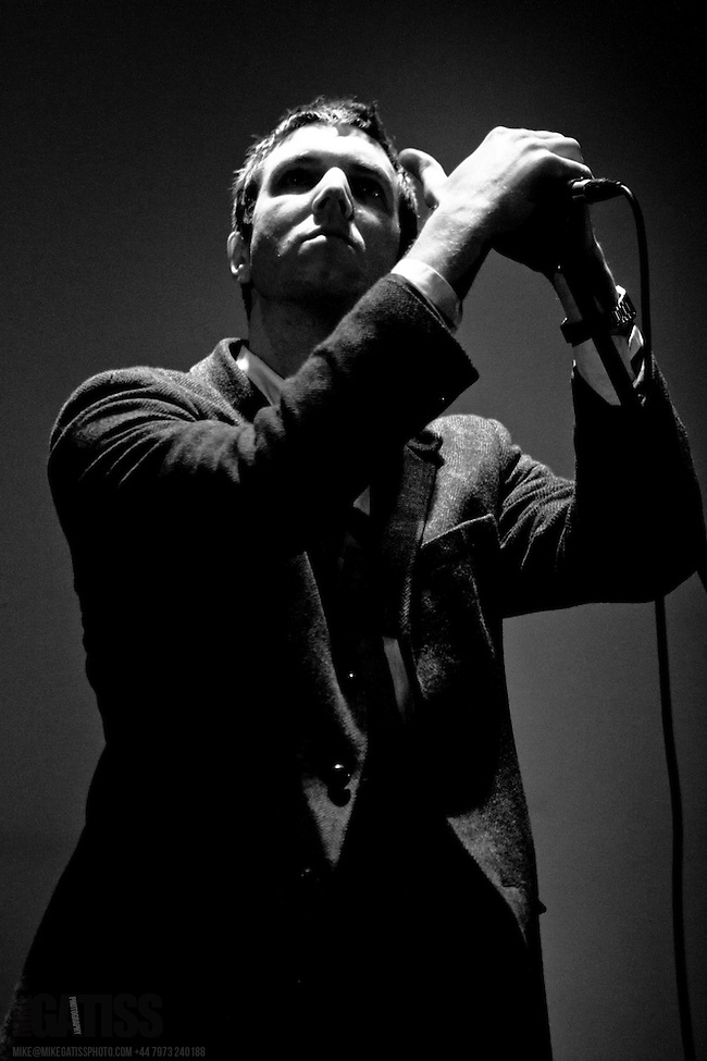The Walkmen live at Manchester Central Methodist Hall, 2011-01-20 (Mike Gatiss)