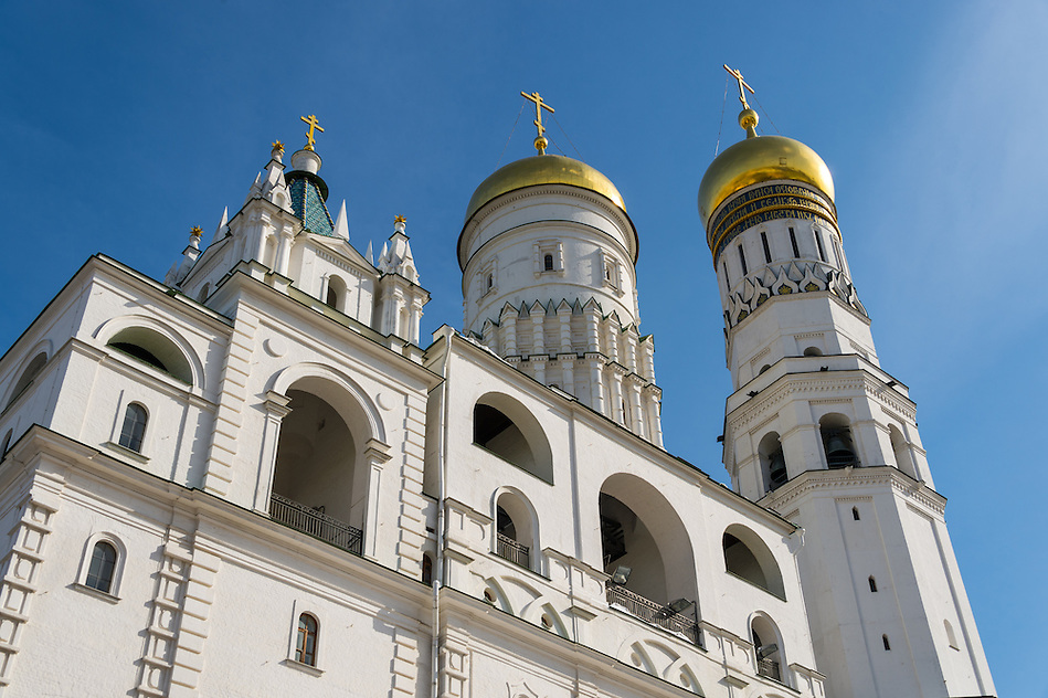 Architectural detail of The Ivan the Great Bell Tower and Assumption Belfry on Cathedral Square in the Moscow Kremlin (Daniel Korzeniewski)