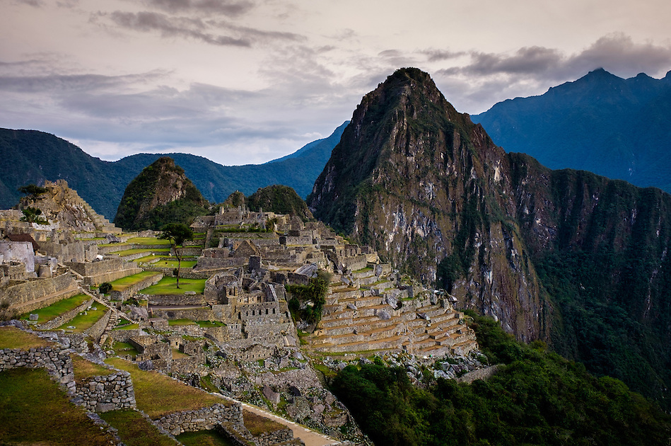 MACHU PICCHU, PERU - CIRCA OCTOBER 2015: View of Machu Picchu in Peru (Daniel Korzeniewski)