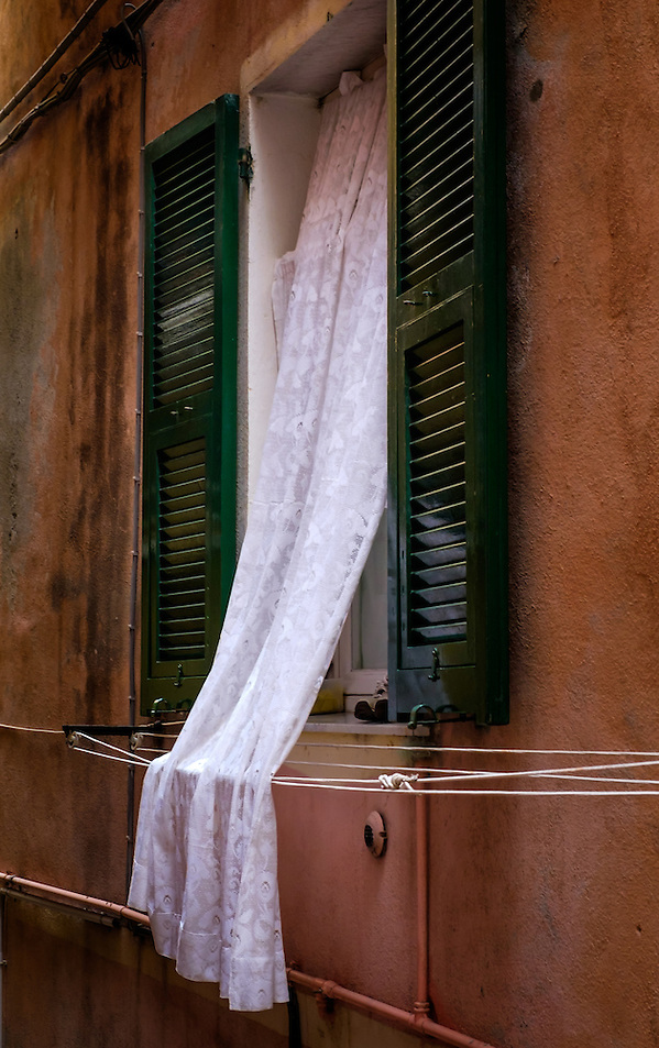 VERNAZZA, ITALY - CIRCA MAY 2015: Windows in the village of Vernazza in Cinque Terre, Italy. (Daniel Korzeniewski)