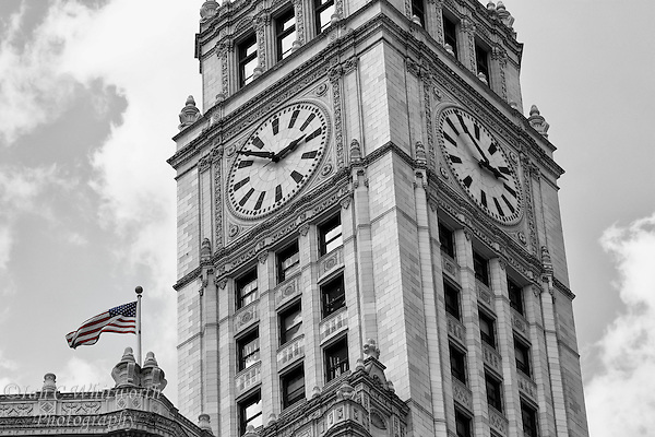 Looking up at the clock tower of the Wrigley Building in Chicago in B&W. (Ian C Whitworth)