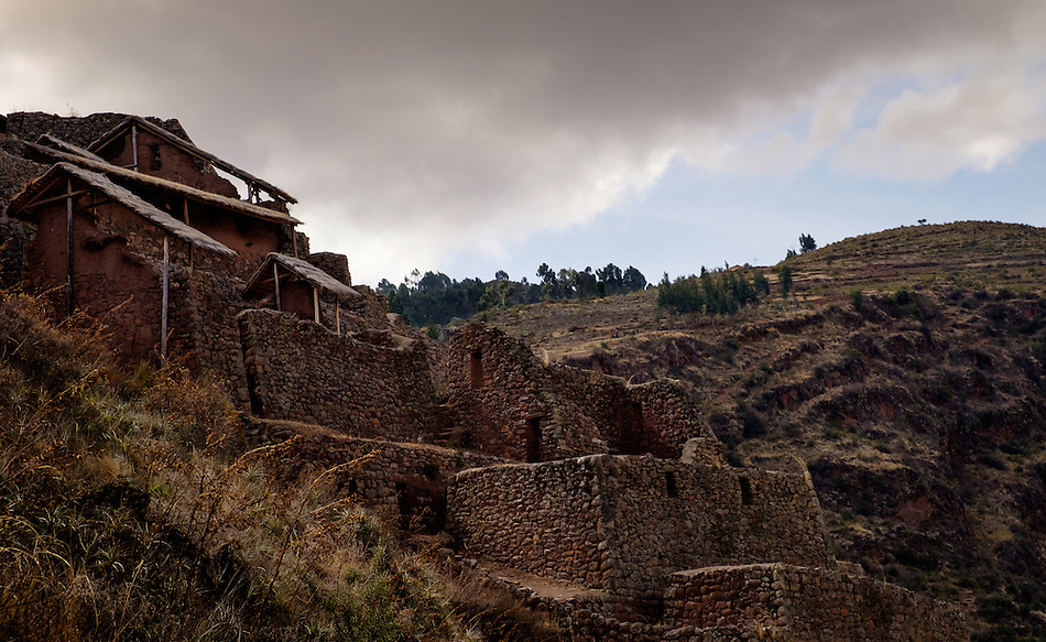 PISAC, PERU - CIRCA OCTOBER 2015: The PIsac arqueological site, on the Cusco region known as Sacred Valley (Daniel Korzeniewski)