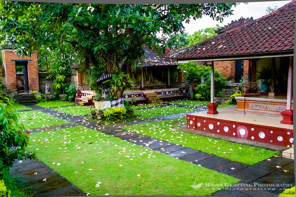 Bali, Tabanan, Kerambitan. Inside the Puri Agung palace. (Photo Bjorn Grotting)