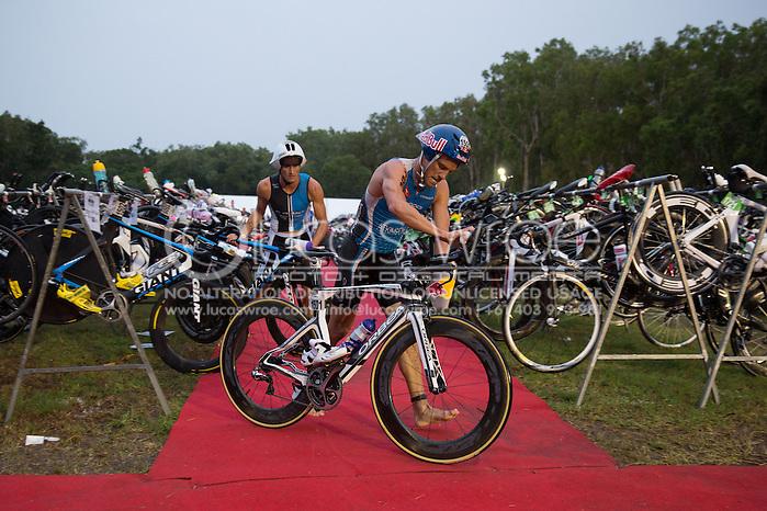 Courtney Atkinson (AUS), June 8, 2014 - TRIATHLON : Ironman Cairns 70.3 / Cairns Airport Adventure Festival, Palm Cove - Captain Cook Highway - Cairns Esplanade, Cairns, Queensland, Australia. Credit: Lucas Wroe (Lucas Wroe)