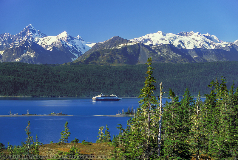Holland America cruise ship, College Fjord, Chugach Mountains, Prince William Sound, Alaska (Patrick J. Endres / AlaskaPhotoGraphics.com)
