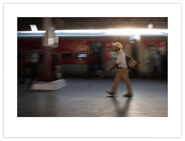 New Delhi Railway Station, India (Ian Mylam/ Ian Mylam (www.ianmylam.com))