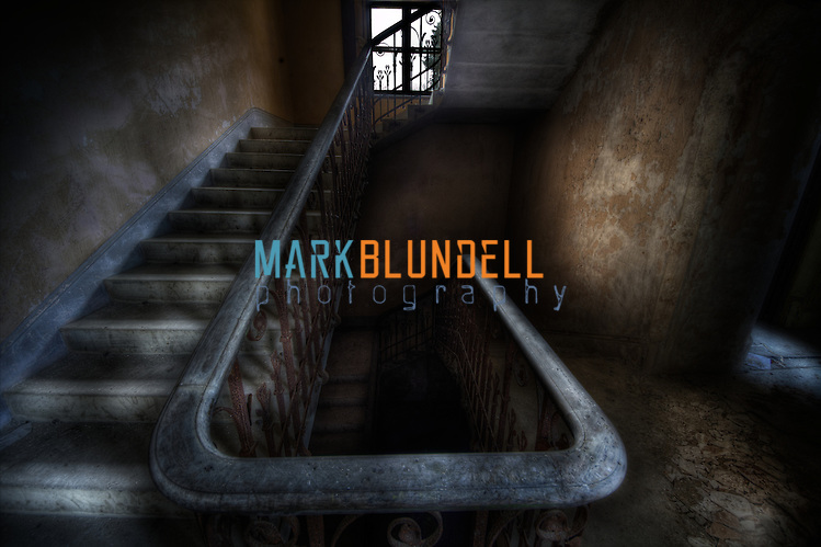 Staircase at derelict and abandoned Manorhouse GT (Mark Blundell)