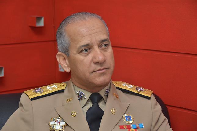 Cambios y disgustos de generales impactaron Fuerzas Armadas en 2013