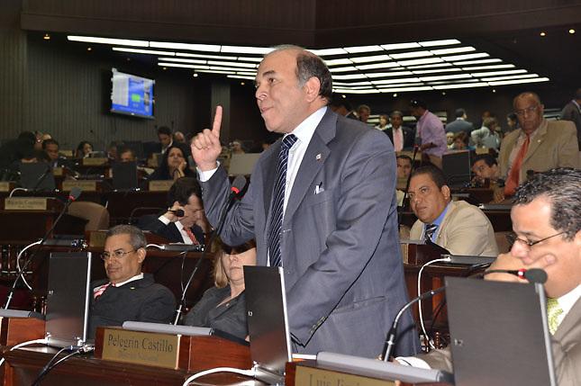 Pelegrin Castillo acusa de chantaje al gobierno de Estados Unidos y al PNUD