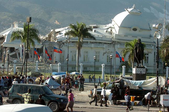 Puerto Príncipe, destruido por le terremoto de 2010