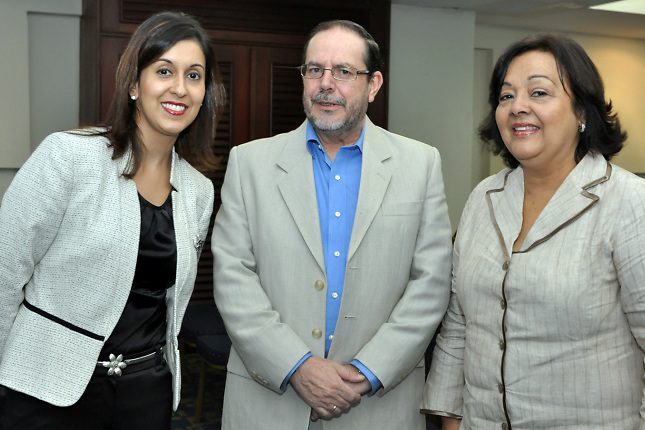 Alejandra Betancourt, Alberto Garita Gonzlez,  y Mara F. Del Socorro De Moya Espinal