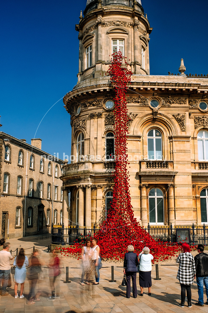 Queen Victoria Square, Kingston Upon Hull, East Yorkshire, United Kingdom, 08 April, 2017. Pictured: A cascade of several thousand handmade ceramic poppies. Weeping Window was originally part of the installation Blood Swept Lands and Seas of Red at the Tower of London (Neil Holmes)