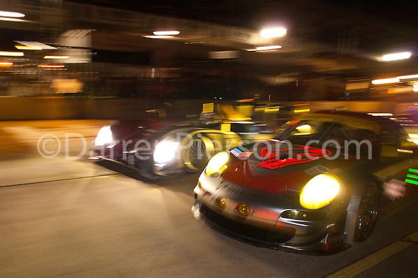 #045 Flying Lizard Motorsports Porsche 911 GT3 RSR: Joerg Bergmeister, Patrick Long, Marc Lieb (Darren Pierson)