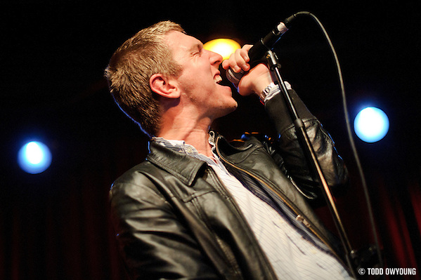 Photos Brooklyn-based band The Walkmen performing at Off Broadway in St. Louis on October 20, 2010 (© Todd Owyoung)