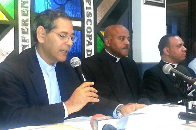 La Iglesia Católica arremete contra medios y defiende a los curas violadores