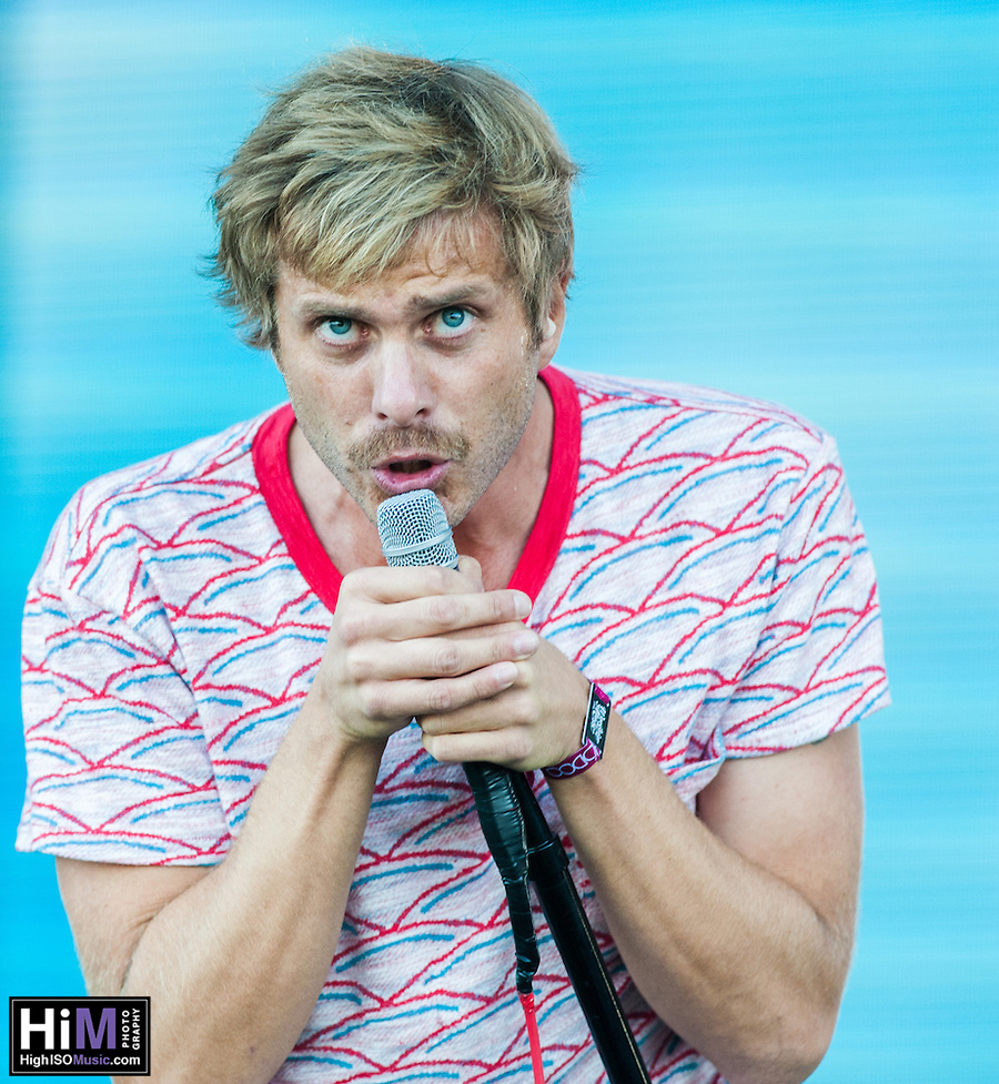 AWOLNATION performs at the 2014 Voodoo Music Experience in New Orleans, LA. (HIGH ISO Music, LLC)