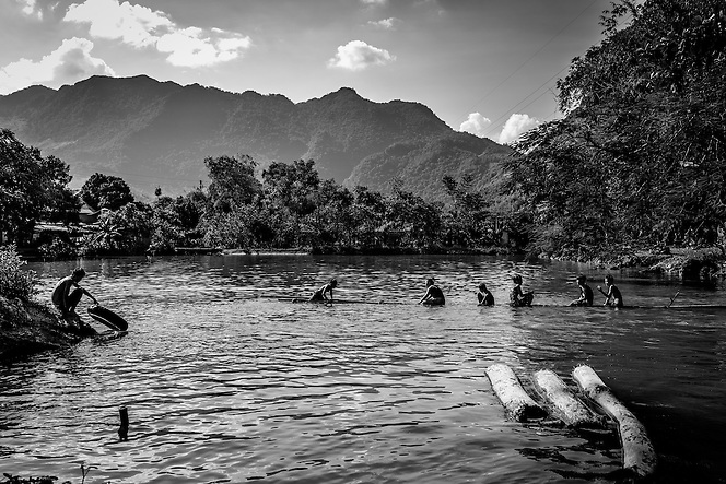 Children play in a lake in Mai Chau, northern Vietnam (Quinn Ryan Mattingly)