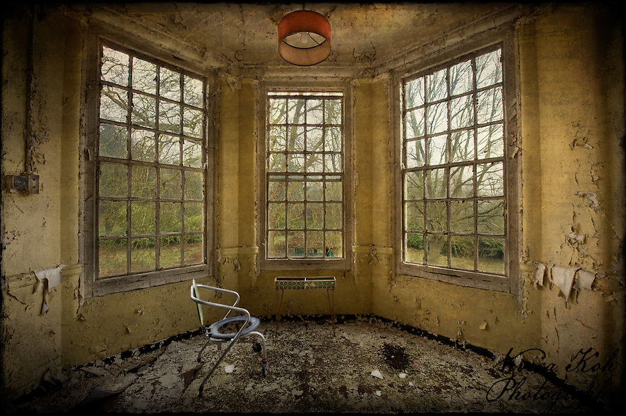 Commode chair by the window at West Park abandoned asylum (Viveca Koh)