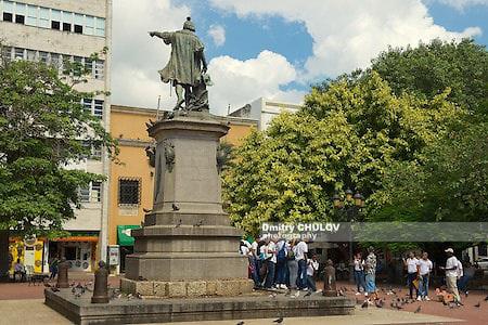 Санто-Доминго, маяк Колумба, памятник