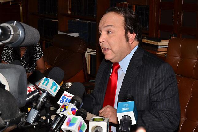 Vinicio se enculilla por la demanda que le hizo Fausto Rosario Adames