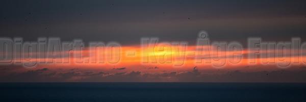 Solnedgang på Runde | Sunset at Runde. (Kay-Åge Fugledal)