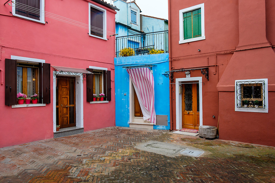 VENICE, ITALY - CIRCA MAY 2015: View of colorful houses in Burano, Venice. (Daniel Korzeniewski)