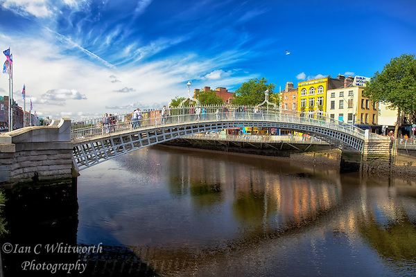 Looking at the Ha'Penny Bridge in Dublin over the Liffey River. (Ian C Whitworth)