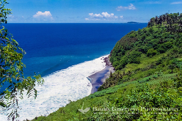 Nusa Tenggara, North Lombok. View from northwest Lombok just south of the Gili islands. Gili Trawangan in the background to the right. (Photo Bjorn Grotting)