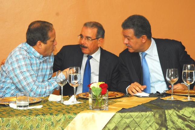 Resultado de imagen para Danilo, Leonel y Reinaldo Pared