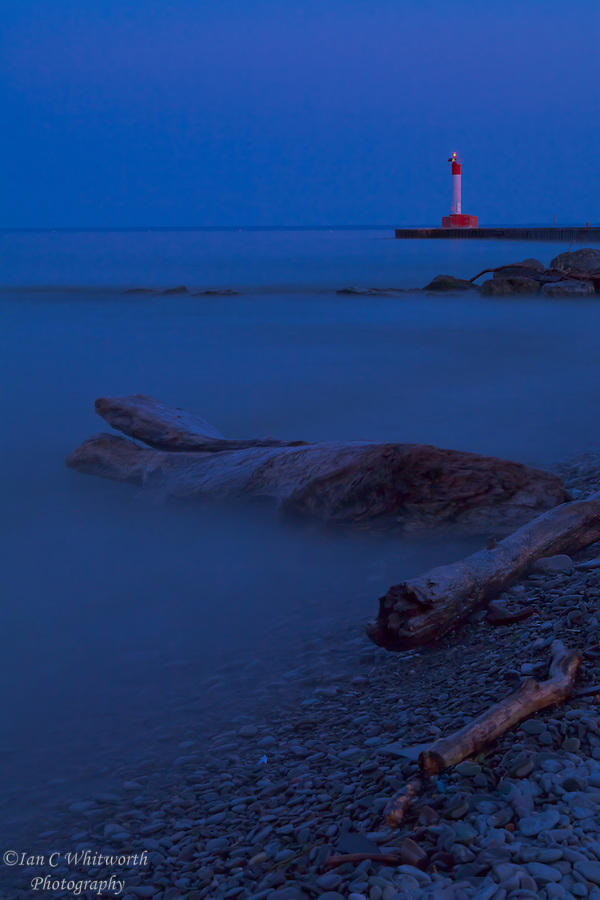 Oakville lighthouse in the evening light with a 30 second exposure (Ian C Whitworth)