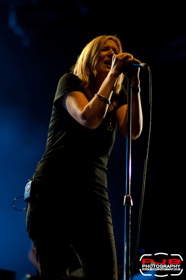 Portishead Performing @ ATP - 2011 - I'll Be Your Mirror - Curated by Portishead & ATP (Peter J Butler)