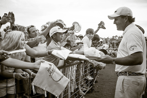 Phil Mickelson signs autographs. PGA Golf: 2014 The Players Championship Friday round 2 TPC Sawgrass/Ponte Vedra, FL 5/9/2014 X158187 TK2 Credit: Darren Carroll (Darren Carroll/Sports Illustrated)