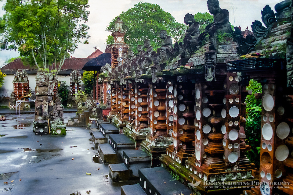 Bali, Tabanan, Kerambitan. One grave for every generation covered with porcelain plates. Puri Agung palace. (Photo Bjorn Grotting)