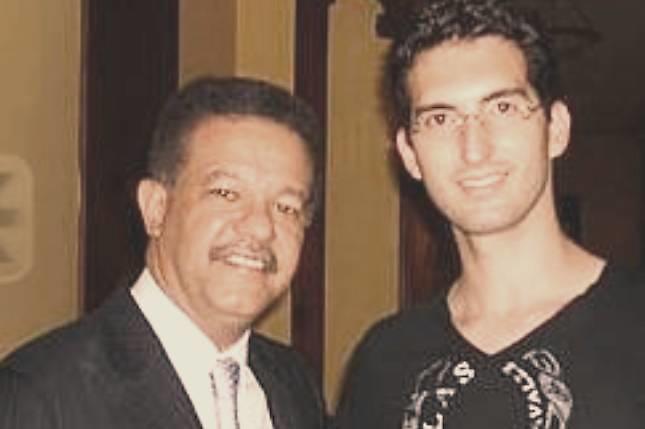 Leonel Fernández con Karim Abu-Naba'a