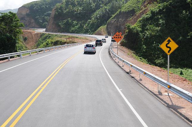 Por la Autopista del Nordeste transitaron en 2014 un total de 2,754,534 vehículos que pagaron peajes por un monto de RD$403 millones (unos 9.4 millones de dólares), por lo que el Estado debió compensar la compañía con US$32,027,149, según sus memorias