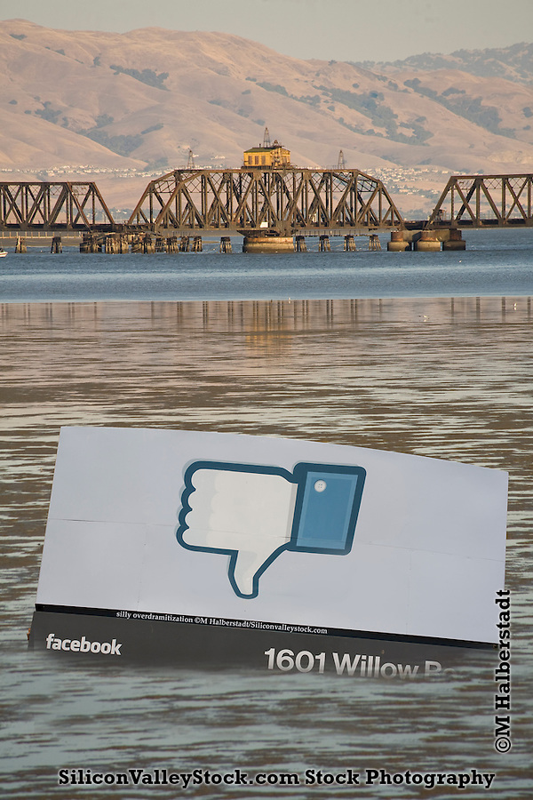 Silly Over Dramatic Dramatization of Effects of Sea Level Rise on Facebook (M Halberstadt/Urbantexture.com, Michael Halberstadt)