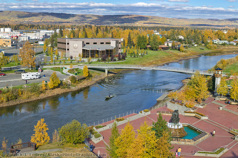 Overview of Chena River, Golden Heart Plaza in downtown Fairbanks, Alaska (Patrick J. Endres / AlaskaPhotoGraphics.com)