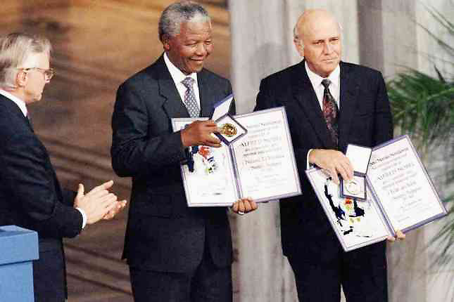 En 1993 Mandela y De Klerk recibierno el Premio Nobel de la Paz