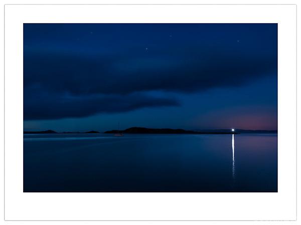Nightfall over Jura - Isle of Jura, Scotland (Ian Mylam/© Ian Mylam (www.ianmylam.com))