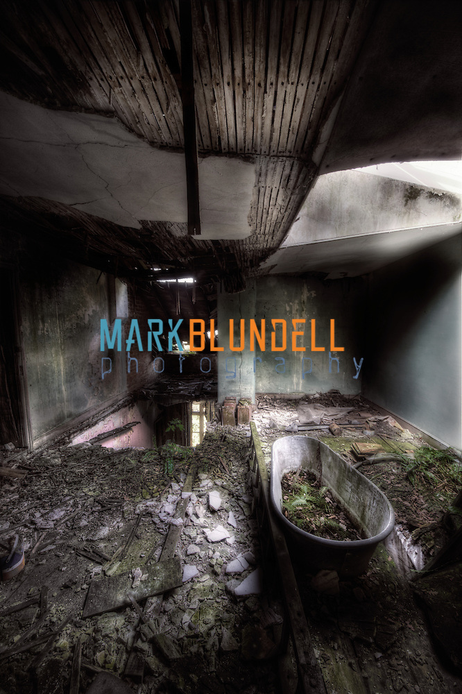 An abandoned bath at Manor House B (Mark Blundell)
