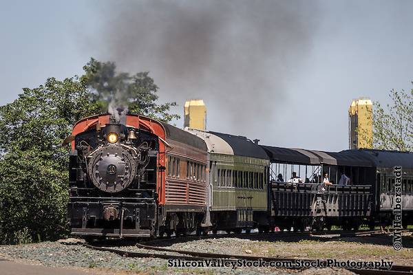 Granite Rock no. 10 Steam Engine Travels near the Waterfront in Sacramento (Michael Halberstadt)