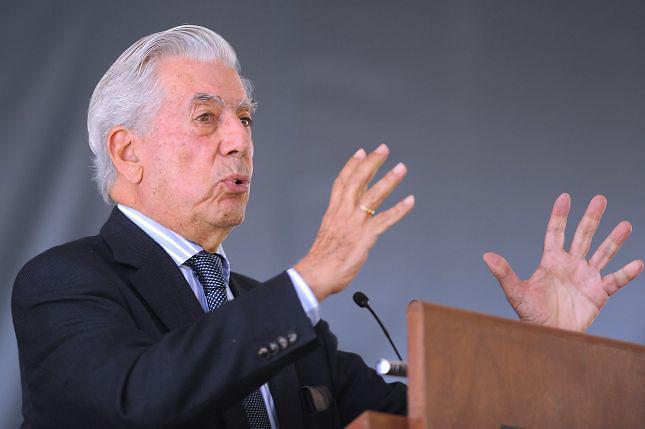 Vargas Llosa critica fallo TC y refiere el trato dado por Hitler a los judíos