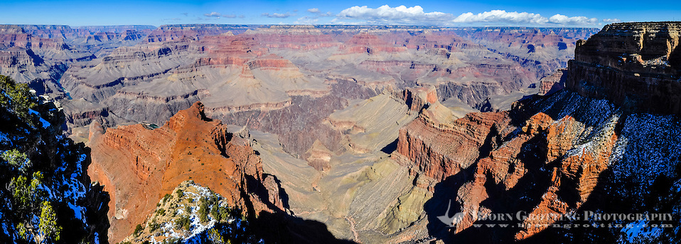 United States, Arizona, Grand Canyon. Mohave Point has a great view of the near vertical cliffs around The Abyss and continuing towards Pima Point. Panorama view. (Photo Bjorn Grotting)