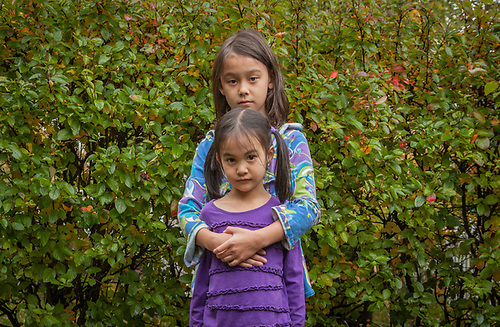 Sisters Kisun and Minsun Kim in Anchorage's South Addition neighborhood (© Clark James Mishler)