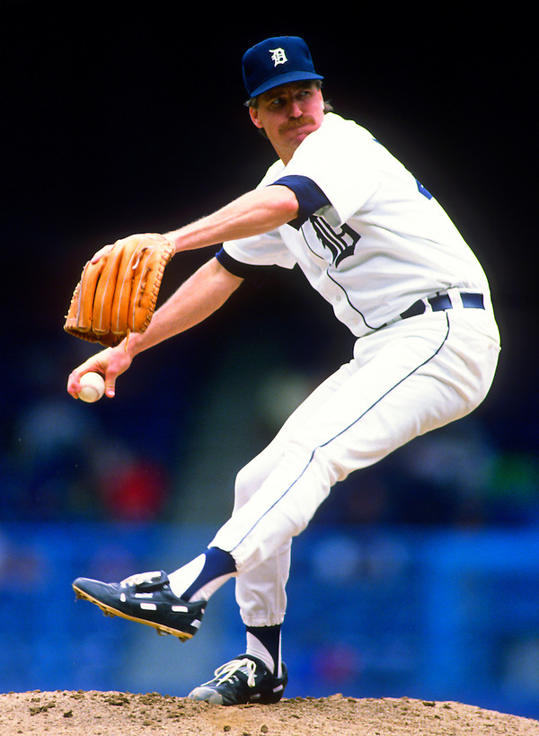 DETROIT - 1990:  Jack Morris of the Detroit Tigers pitches in an MLB game at Tiger Stadium in Detroit, Michigan.  Morris pitched for the Tigers from 1977-1990.  (Photo by Ron Vesely). (Ron Vesely)