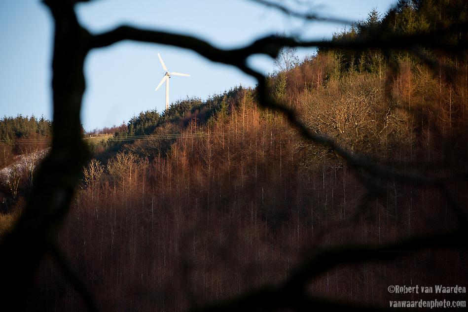 A wind turbine in the Welsh hills, United Kingdom. (Robert van Waarden)